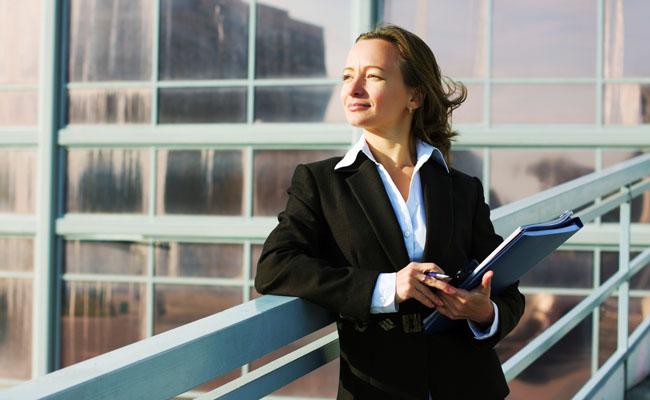Mulher autoconfiante - Inteligência Emocional